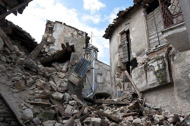 揺れの種類別の地震の夢の意味を解説