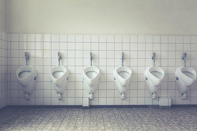 汚いトイレの夢を見たら宝くじを購入してみよう